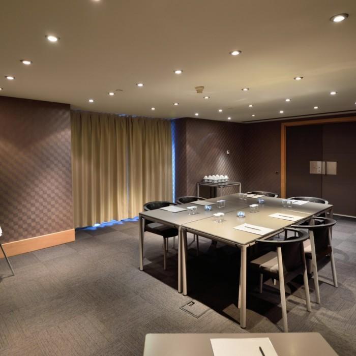 solaris-meeting-room