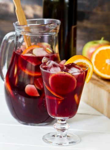 signature-sangria-cocktails
