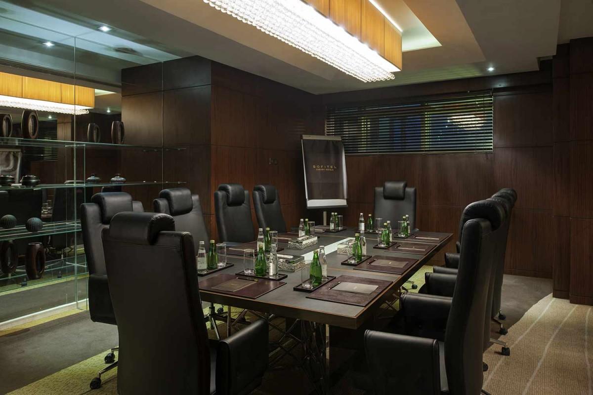 gallery_Emerald-Meeting-Room.jpg