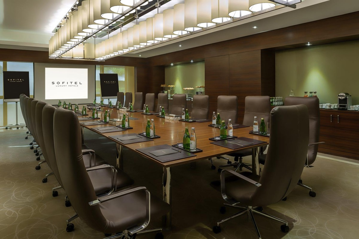 gallery_Jade-meeting-room-.jpg
