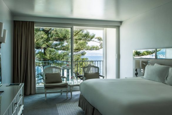 chambre-superieure-1-lit-king-balcon-vue-mer