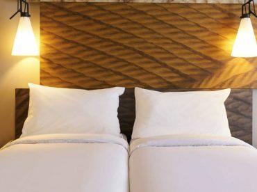slide roomdetails