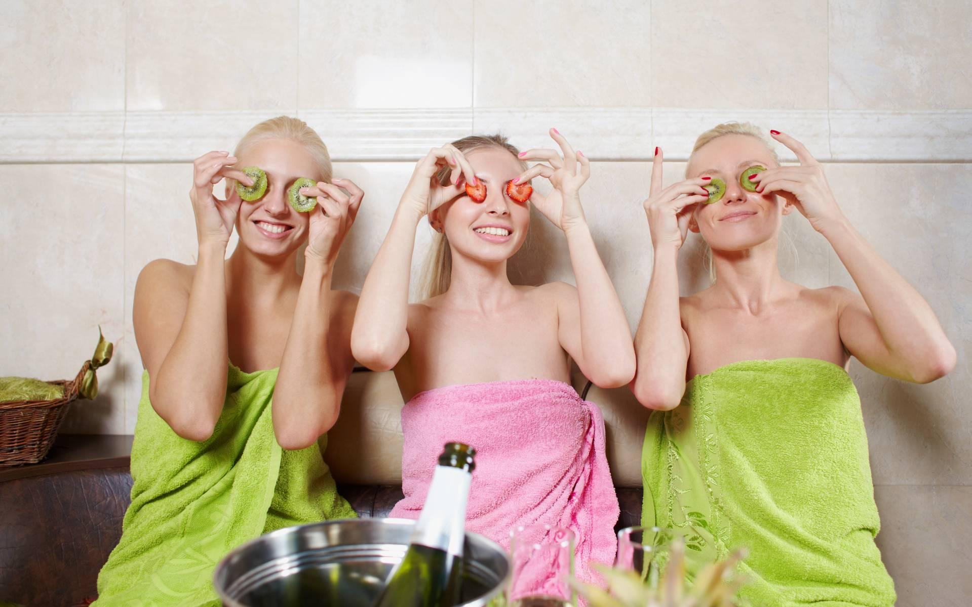 naised-saunas