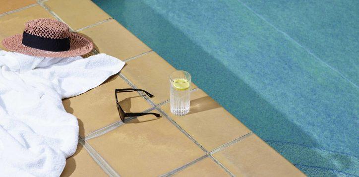 infinity-pool-juice-bar