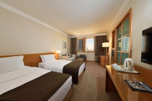 superior room twin beds city view room 1