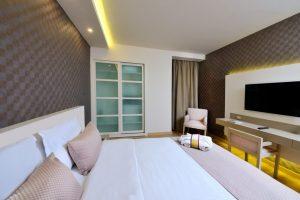 deluxe room 1 double bed bosphorus view room 2