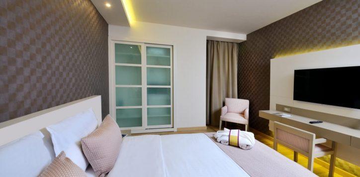 deluxe-room-1-double-bed-bosphorus-view