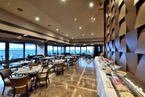 mercure hotel istanbul the plaza restaurant 4