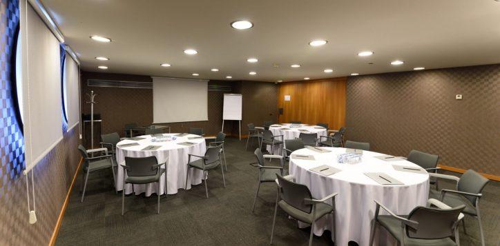 planet-meeting-room