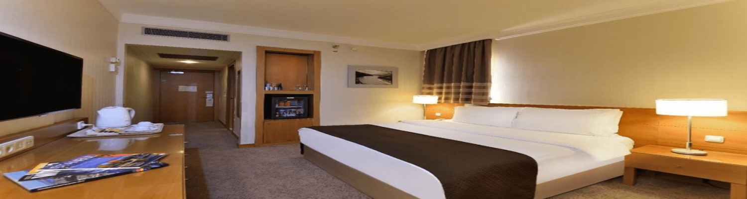 superior-room-1-double-bed-city-view