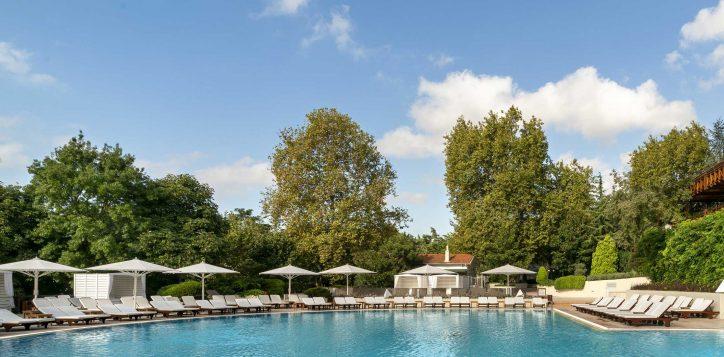 21-outdoor-pool