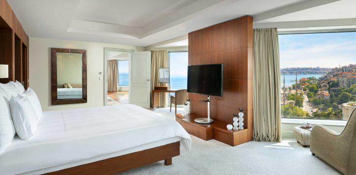 ambassador-suite-bedroom-2