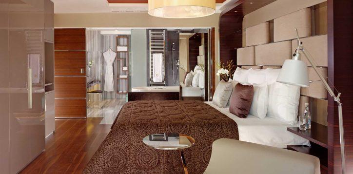 residence-3-bedroom-bosphorus-view-corner-2