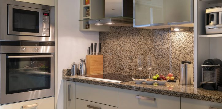 presidential-suite-kitchen