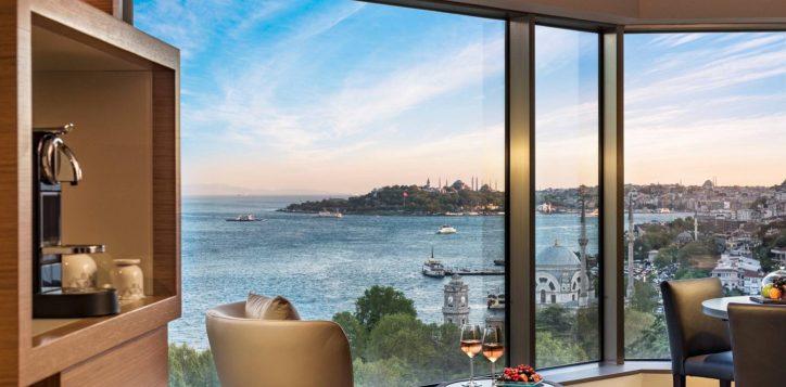 deluxe-suite-bosphorus-view-room-4
