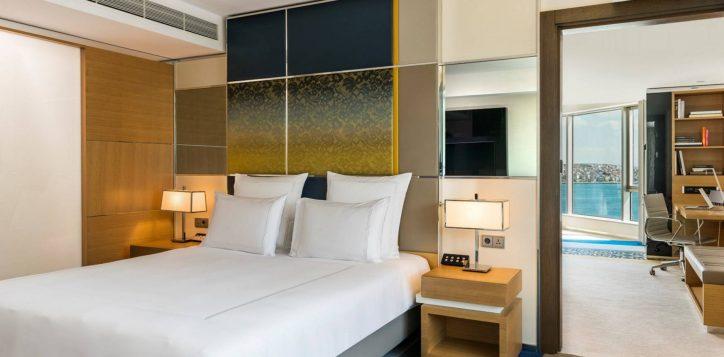 deluxe-suite-bosphorus-view-room-9-2