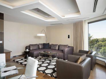 residence-suite-a-double-chambre-a-coucher-avec-vue-sur-le-parc