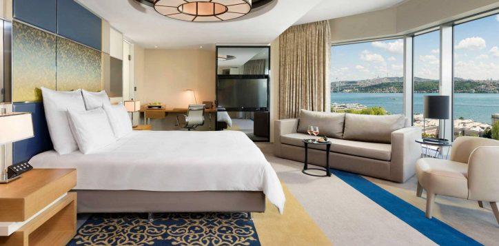 executive-corner-bosphorus-view-room-bedroom-min-2