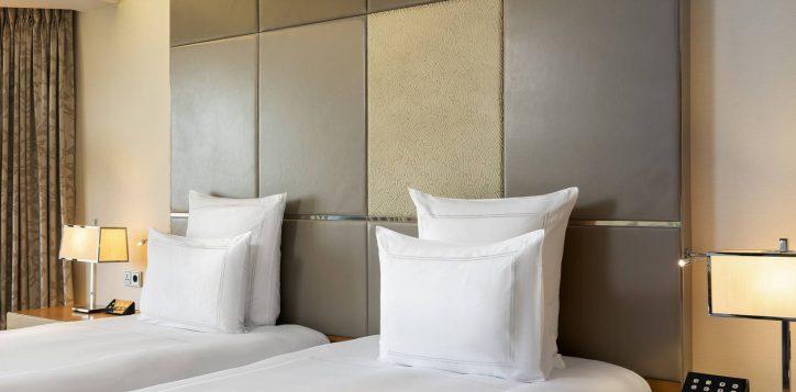 swiss-advantage-garden-view-room-twin-kopyasi