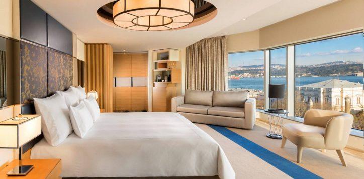corner-room-bosphorus-view-bedroom