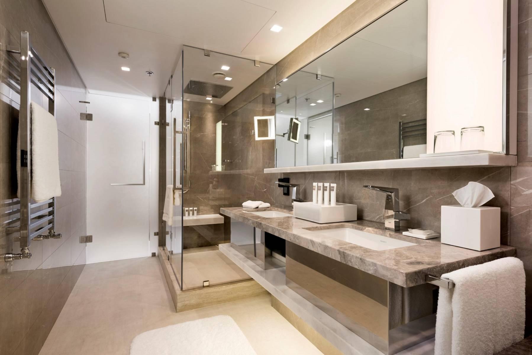 executive-corner-bosphorus-view-room-bathroom-3-min