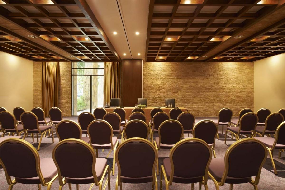 meeting-event-wedding-ballroom-sofitel-the-palm-dubai91.jpg