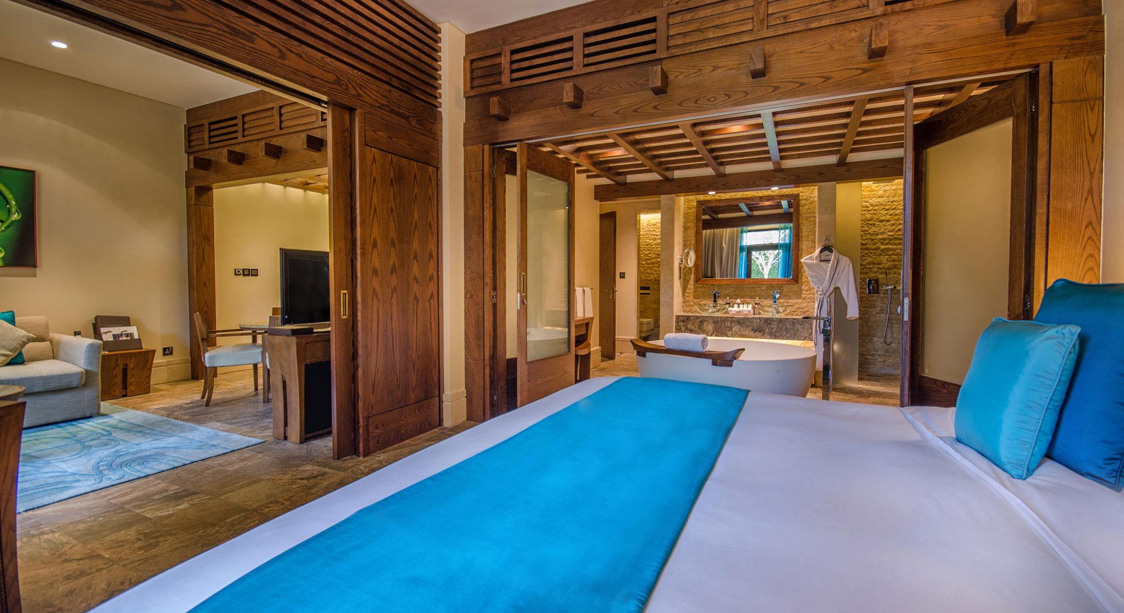 Awe Inspiring 1 Bedroom Apartment Sofitel Dubai The Palm Resort Spa Interior Design Ideas Gentotthenellocom