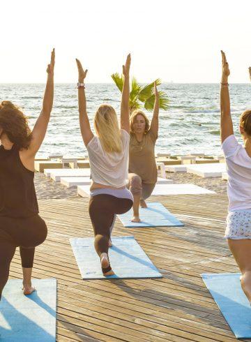 sunset-yoga-on-palm-jumeirah