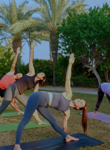 sunset-yoga-on-palm-jumeirah