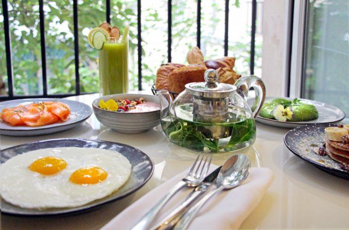 in-room-breakfast