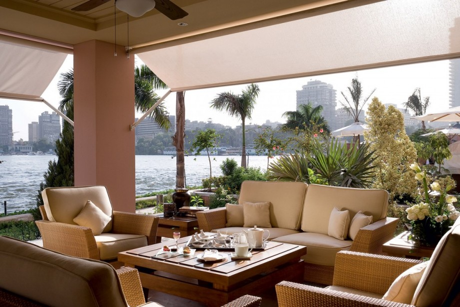 window-on-the-nile-lounge-bar