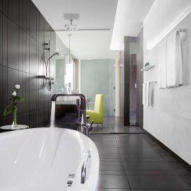 gallery Junior Suite Bathroom