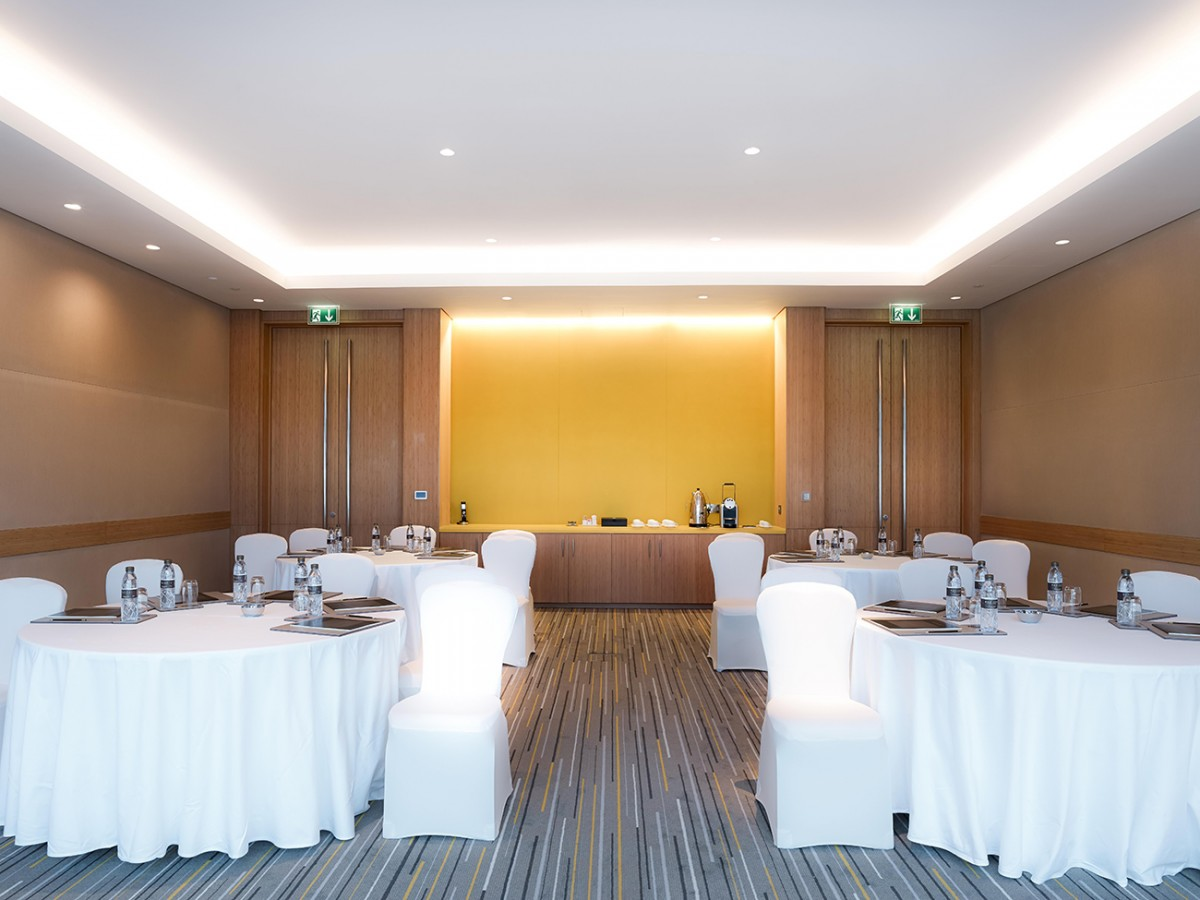 gallery_Meeting-Room-Banquet-Mtg-Set-Up-1.jpg