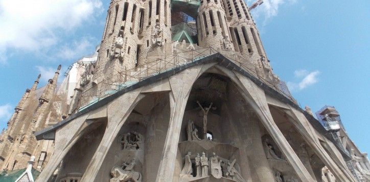 modernism-sagrada-familia