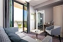 junior-suite-living-ii-2