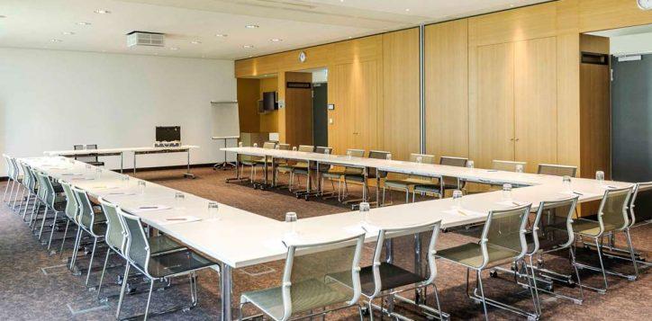 meeting-room-4