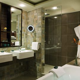 gallery Luxury Double Room Bathroom