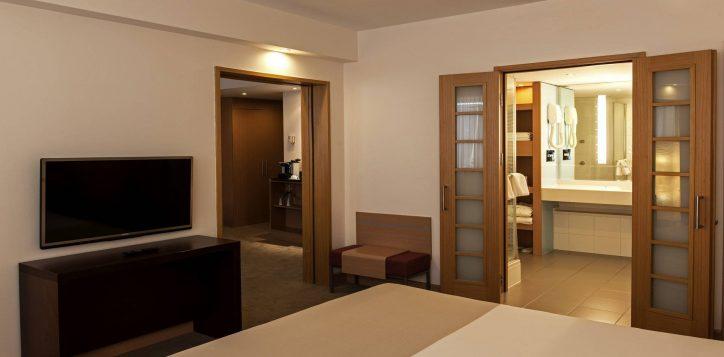 novotel_istanbul_zeytinburnu_suite_room-2