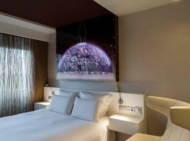 deluxe-room-1-queen-size-bed