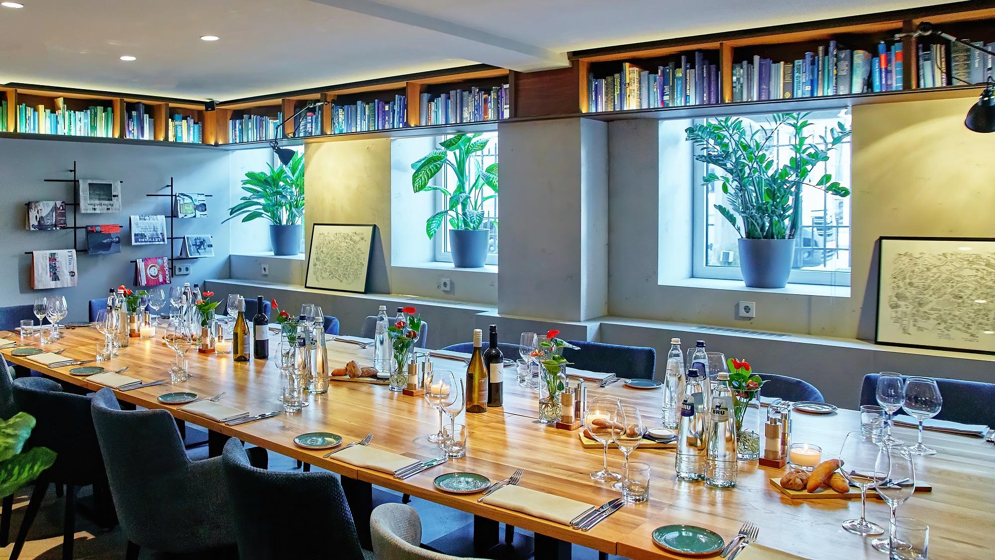 Library-Group-Dinner-1.jpg