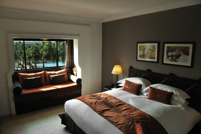 superior-room-single-beds