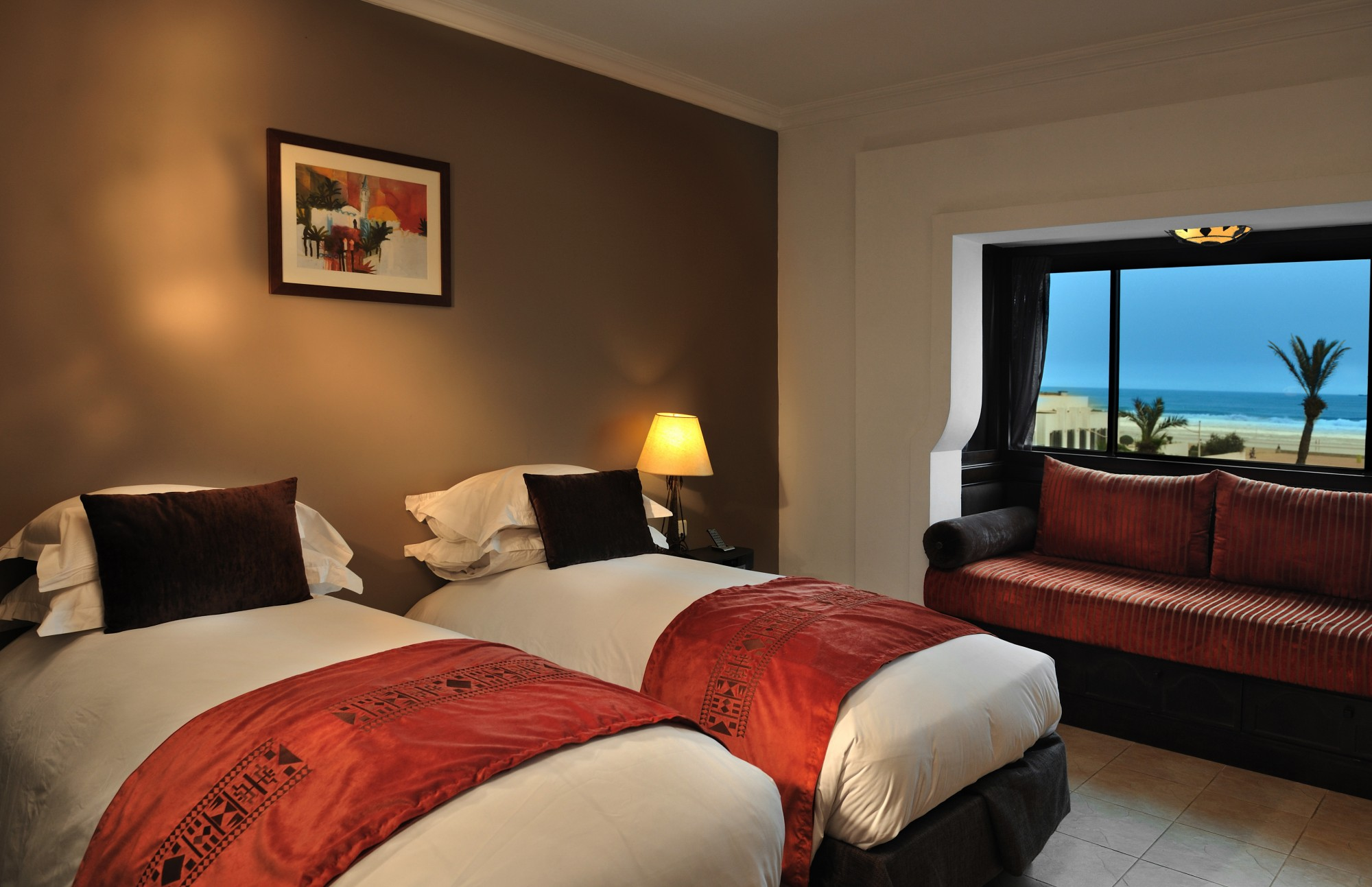 luxury-room-single-beds