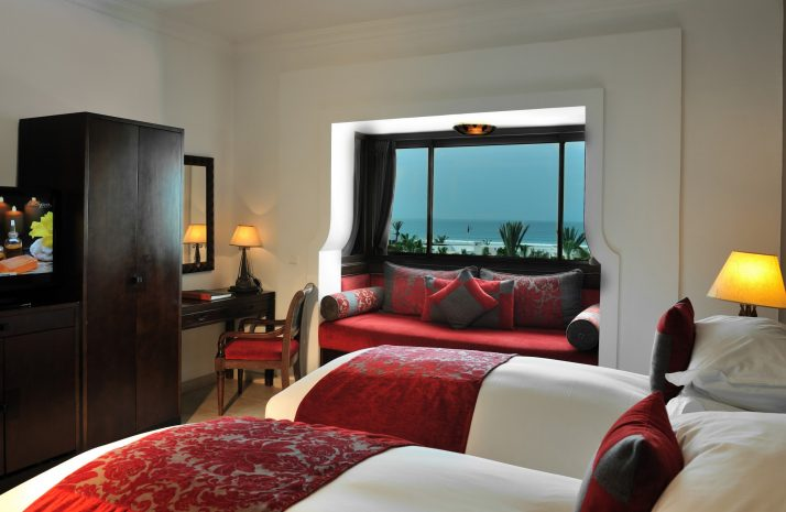 luxury-room-2-single-size-bed-ocean-view