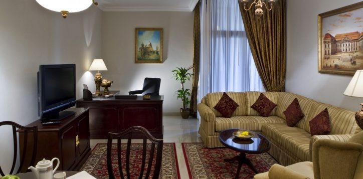 classic-style-livingroom01-rooms-yassat-2