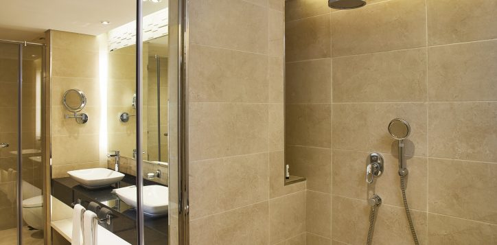 mercure-bathroom-3