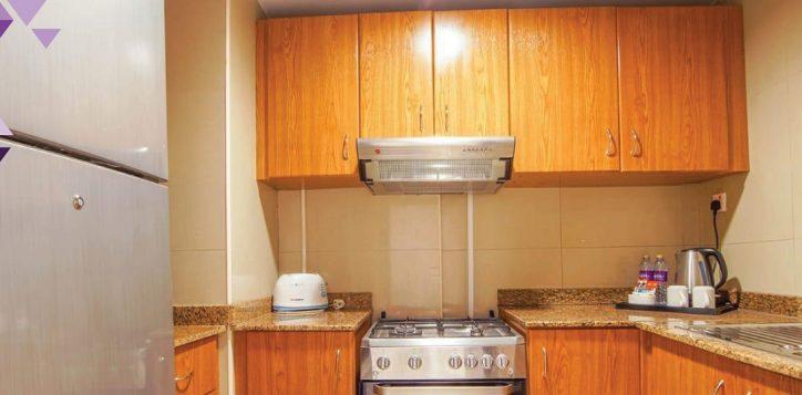 1-br-kitchen-med
