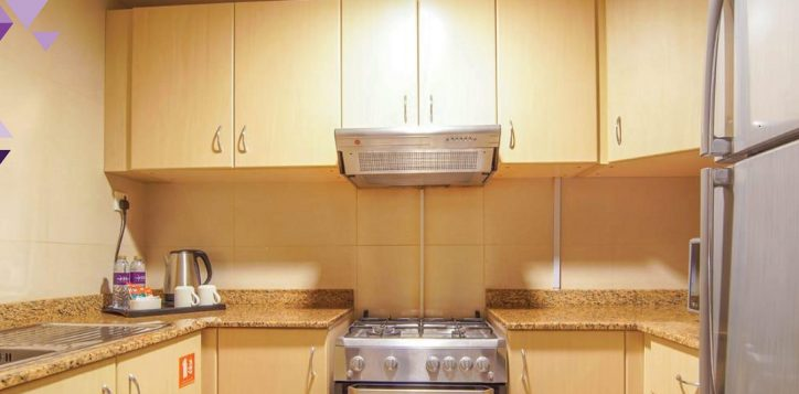 1-br-kitchen-cal