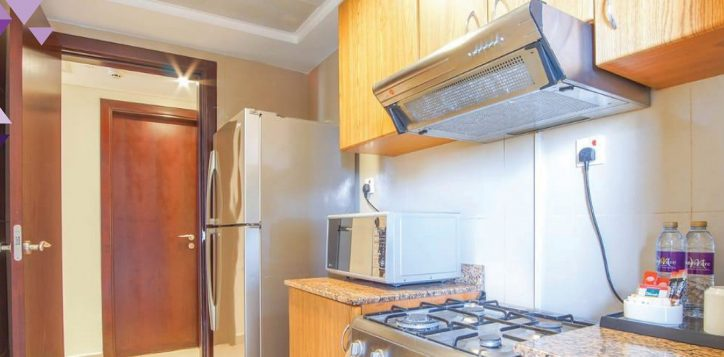 2-br-kitchen-med