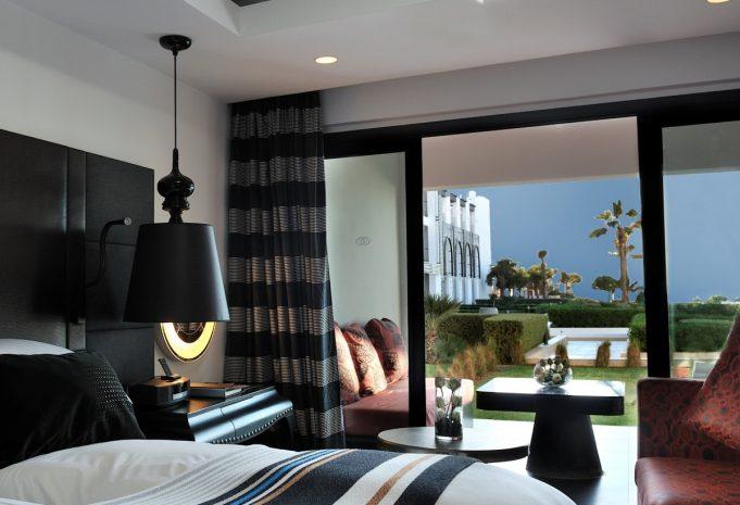 chambre-luxury-1-lit-king-vue-jardin