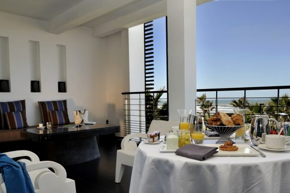 prestige-suite1-king-size-bed-frontale-ocean-view